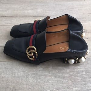 Gucci Peyton loafer with faux pearl size 38